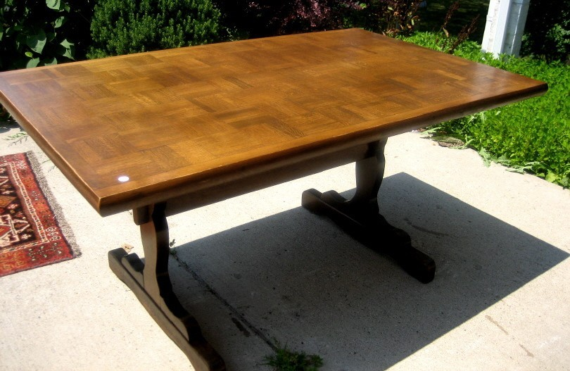 Magnificent 1890s English Solid Oak Dining table